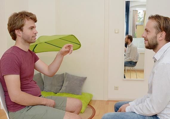 Gespräch mit einem Klienten in der Praxis